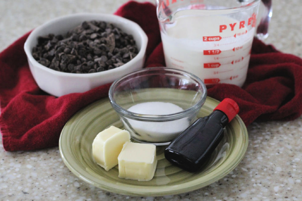 Bottom layer ingredients for chocolate mint fudge