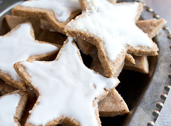 Keto German Cinnamon Stars Zimtsterne